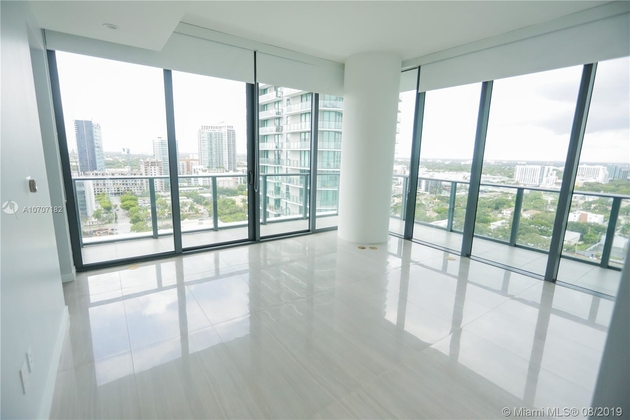 10000000, Miami, FL, 33137 - Photo 2