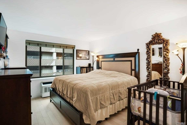 3415, Long Island City, NY, 11101 - Photo 1