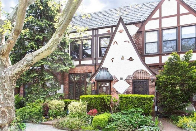 5853, Forest Hills, NY, 11375 - Photo 2