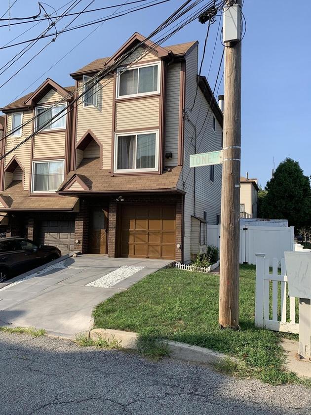 2377, Staten Island, NY, 10305 - Photo 2