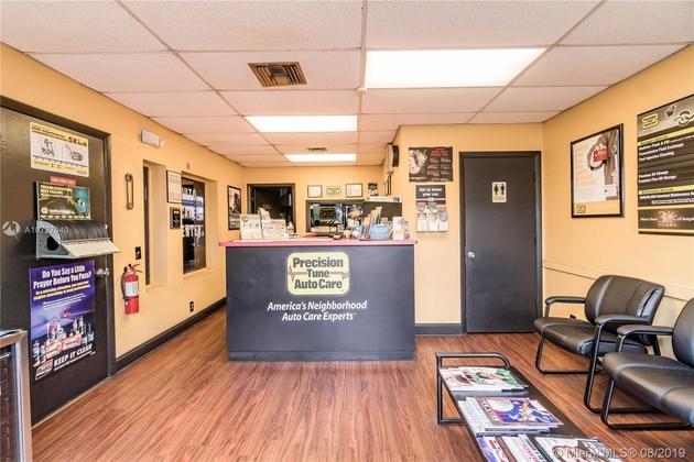 10000000, Lauderhill, FL, 33319 - Photo 2