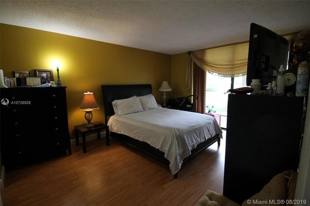 471, Pembroke Pines, FL, 33026 - Photo 2