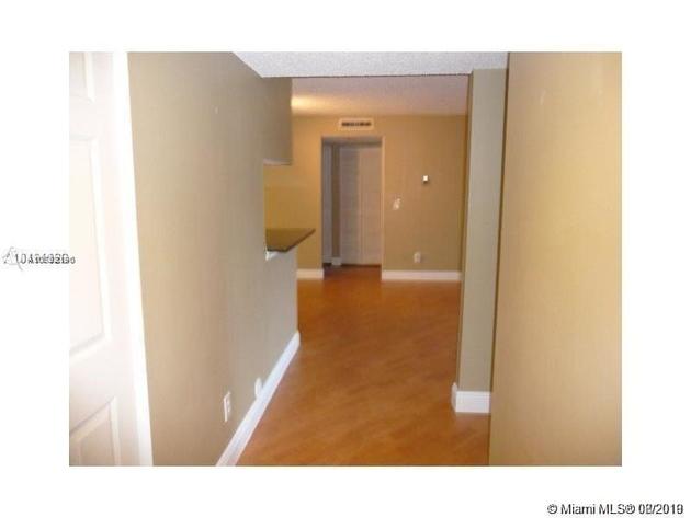 845, Pembroke Pines, FL, 33025 - Photo 2