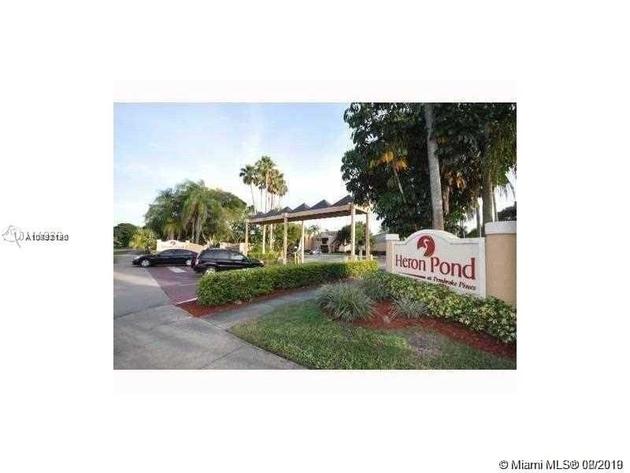 845, Pembroke Pines, FL, 33025 - Photo 1