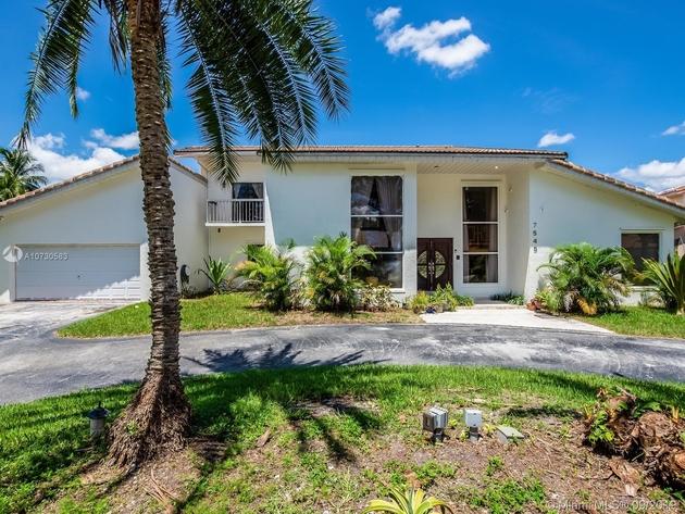 3372, Hialeah, FL, 33015 - Photo 1