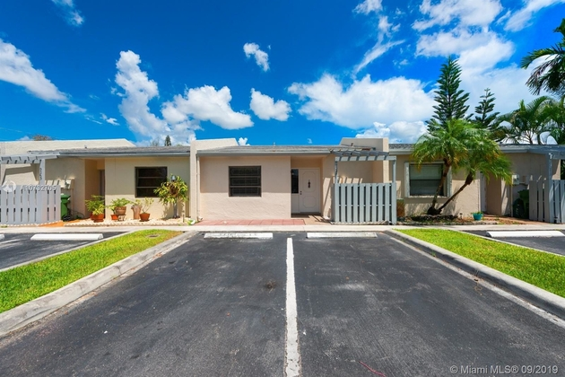 927, Pembroke Pines, FL, 33024 - Photo 1