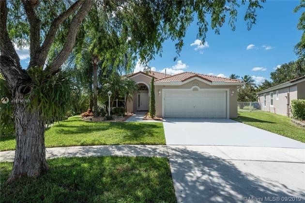 2422, Pembroke Pines, FL, 33028 - Photo 1