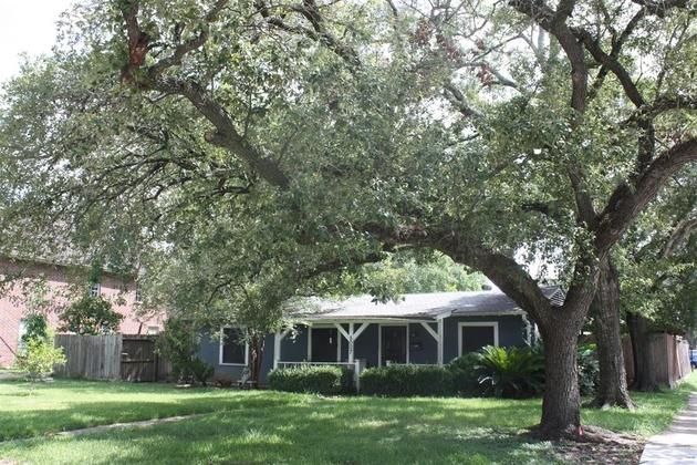 2052, Bellaire, TX, 77401 - Photo 1