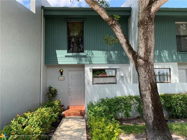 905, Pembroke Pines, FL, 33024 - Photo 2