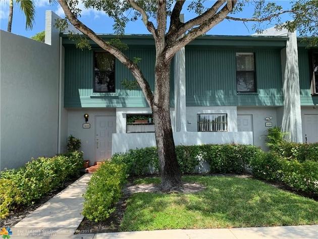905, Pembroke Pines, FL, 33024 - Photo 1
