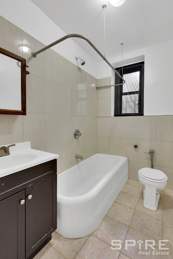 1323, Bronx, NY, 10451 - Photo 1