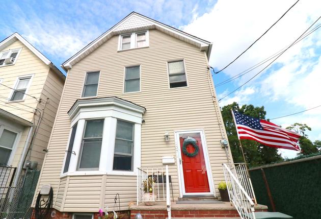2261, Staten Island, NY, 10304 - Photo 1