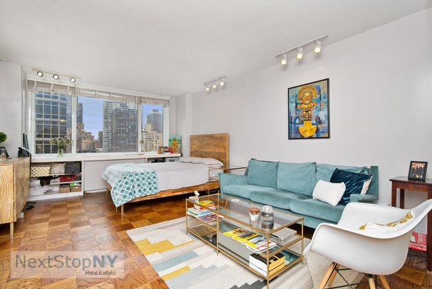 2575, New York City, NY, 10022 - Photo 1