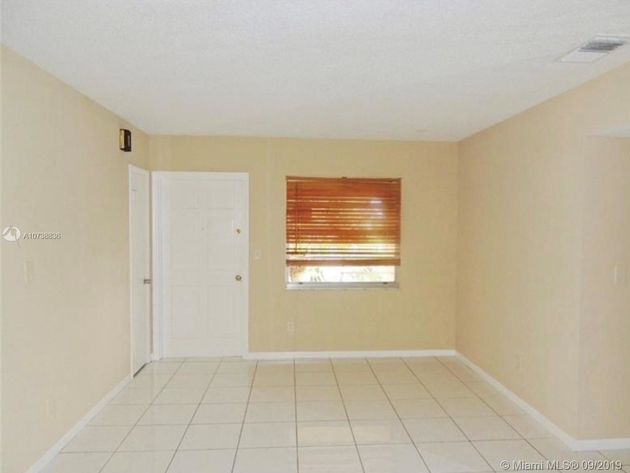 876, Davie, FL, 33324 - Photo 2