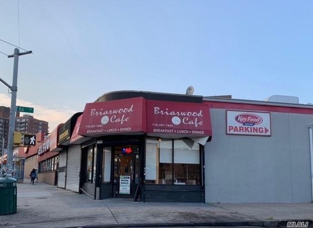 1590, Briarwood, NY, 11435 - Photo 2
