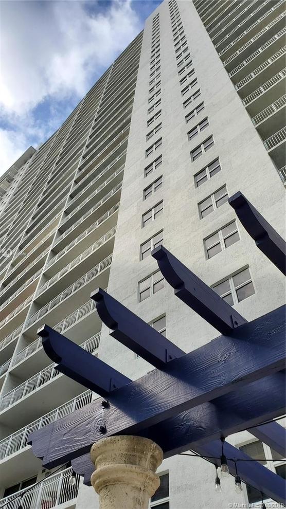 1402, Miami, FL, 33131 - Photo 2