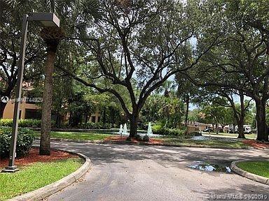 947, Miami Lakes, FL, 33014 - Photo 2