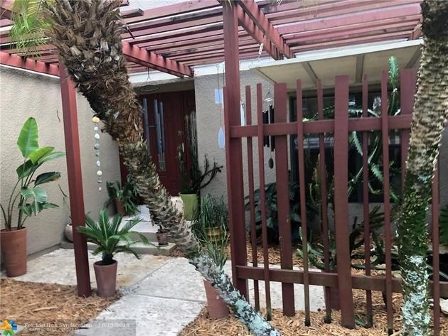 1270, Pembroke Pines, FL, 33026 - Photo 1