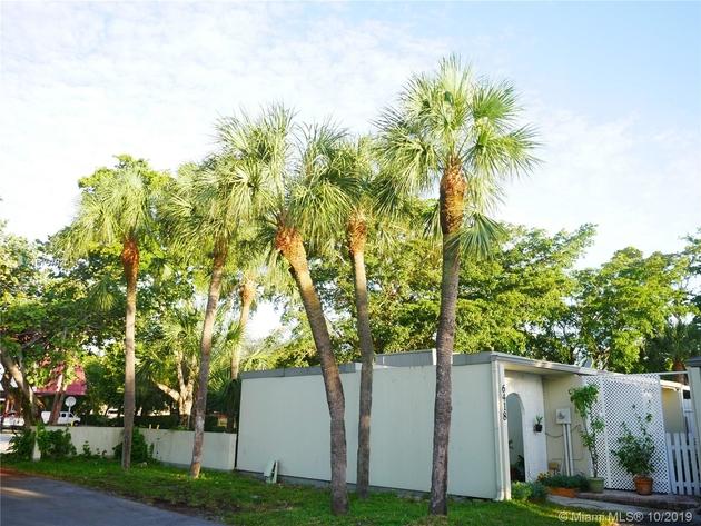 942, Miami Lakes, FL, 33014 - Photo 2