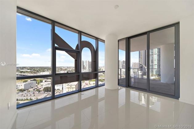 10000000, Miami, FL, 33132 - Photo 2