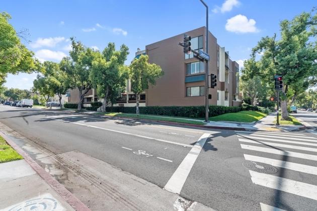 10000000, Glendale, CA, 91206 - Photo 1