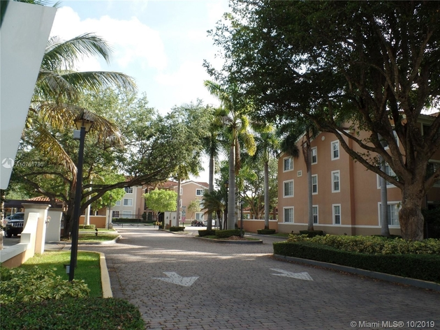 916, Miami, FL, 33155 - Photo 2