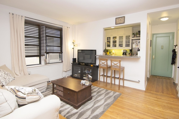 2325, Queens, NY, 11106 - Photo 1