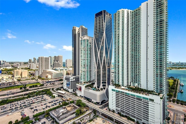 10000000, Miami, FL, 33132 - Photo 1