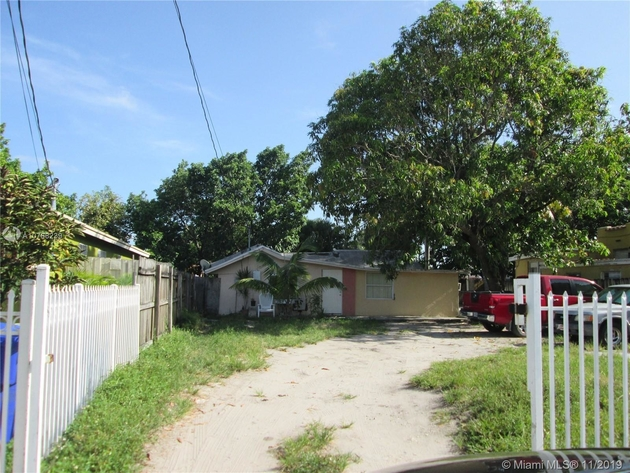 1099, Miami, FL, 33142 - Photo 2