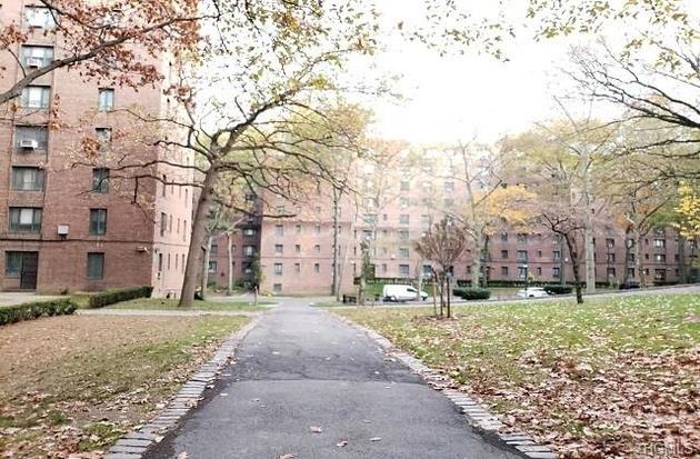 1343, Bronx, NY, 10462-6735 - Photo 2