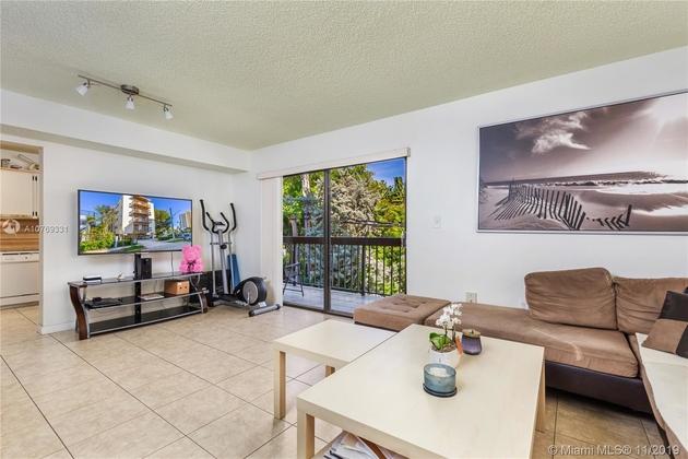 987, Miami Beach, FL, 33139 - Photo 2