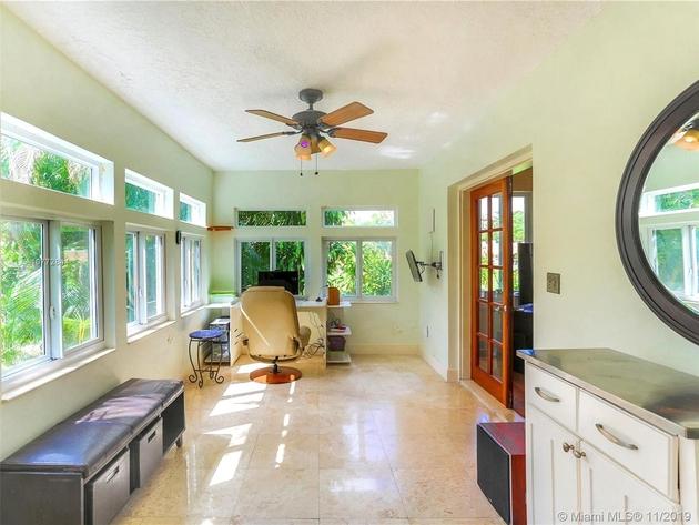 10000000, Miami, FL, 33137 - Photo 2
