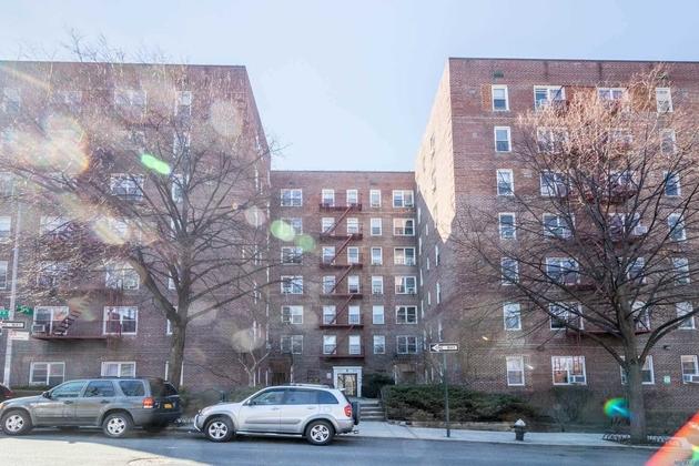 10000000, Woodside, NY, 11377 - Photo 1