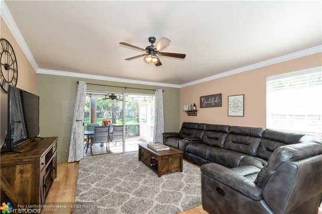 1587, Coral Springs, FL, 33076 - Photo 2