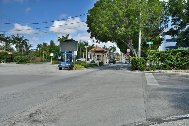 570, North Miami Beach, FL, 33160 - Photo 1