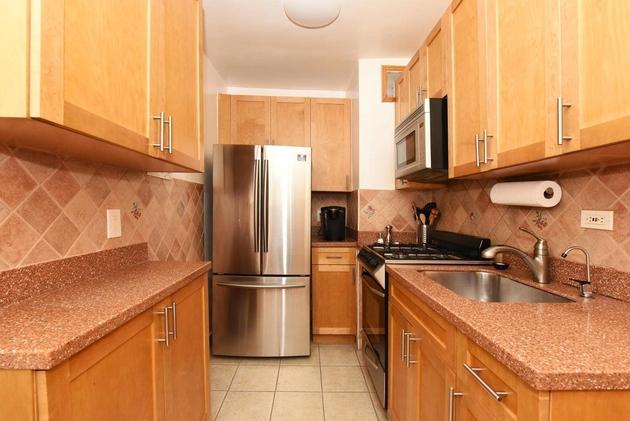 10000000, Briarwood, NY, 11435 - Photo 1