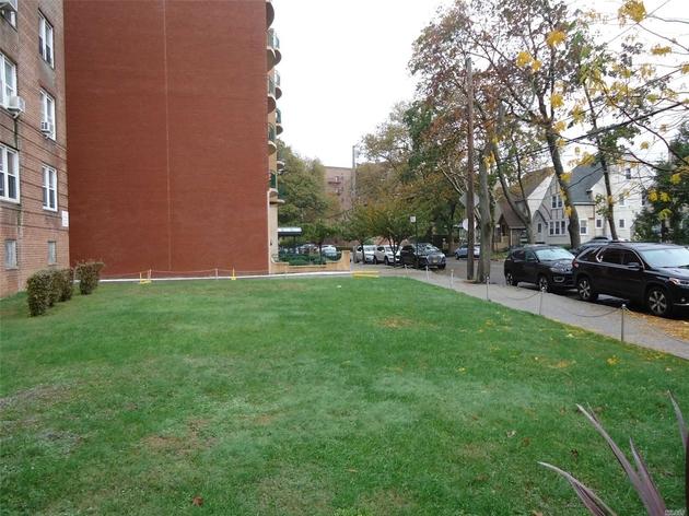 10000000, Briarwood, NY, 11435 - Photo 2