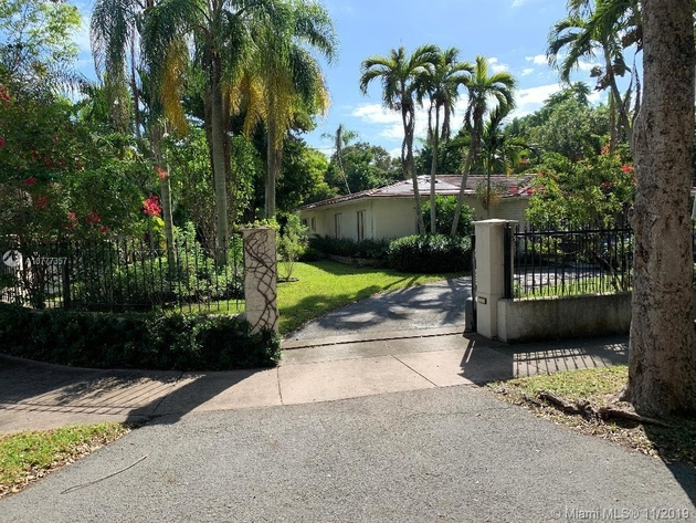 10000000, Coral Gables, FL, 33134 - Photo 2