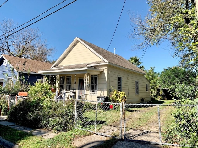 1645, Houston, TX, 77009 - Photo 1