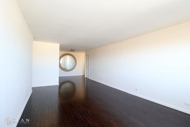 3072, Flushing, NY, 11375 - Photo 2