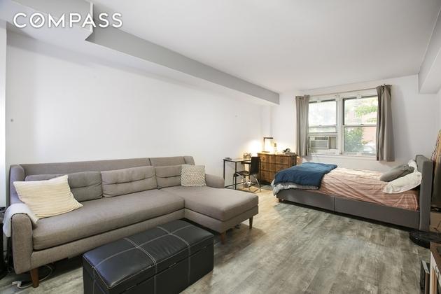 1090, Brooklyn, NY, 11230 - Photo 1