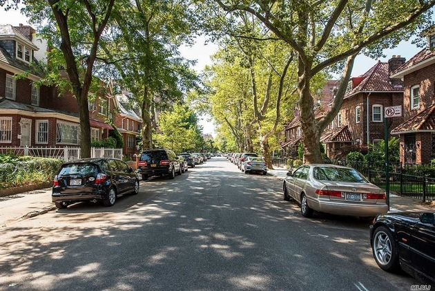 3665, Jackson Heights, NY, 11372 - Photo 2