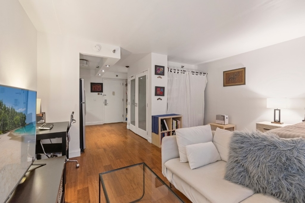 2946, NEW YORK, NY, 10036 - Photo 2