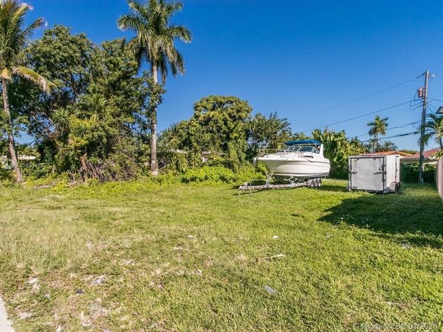748, Hialeah, FL, 33010 - Photo 2
