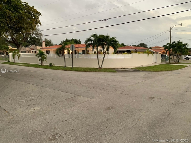 2100, Miami, FL, 33125 - Photo 1