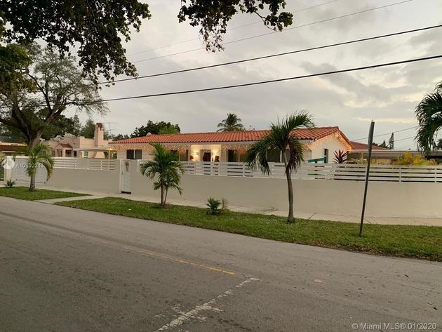2100, Miami, FL, 33125 - Photo 2