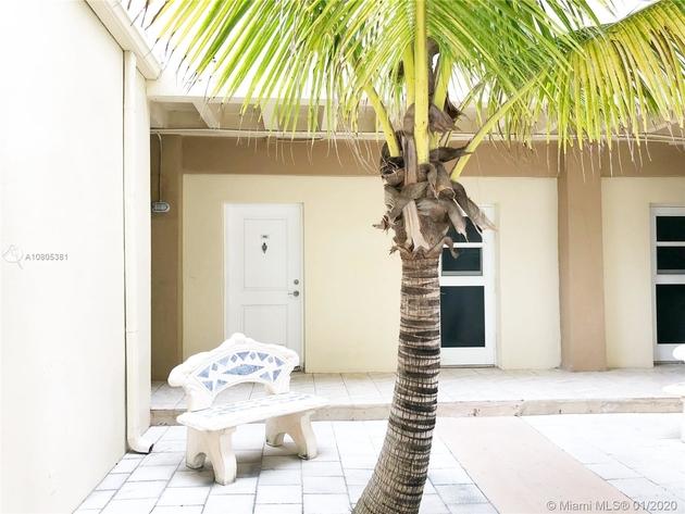 925, Hallandale, FL, 33009 - Photo 2
