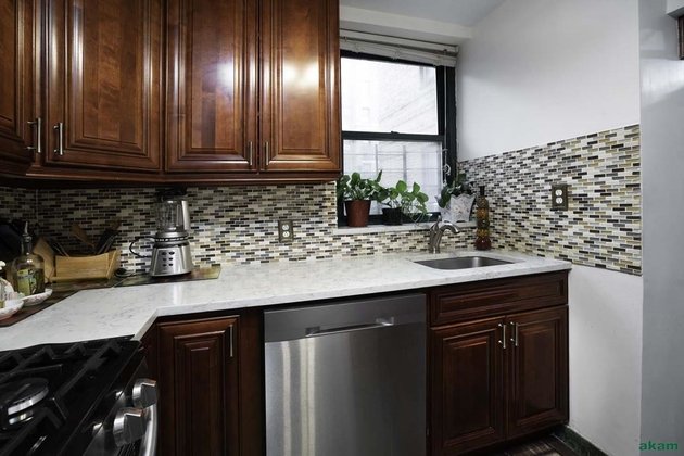 2272, Queens, NY, 11372 - Photo 2