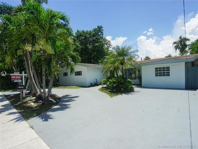 2652, Miami, FL, 33180 - Photo 2