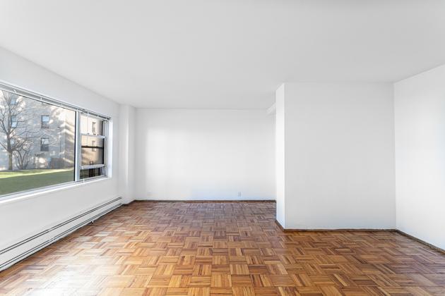 878, Bronx, NY, 10468 - Photo 1